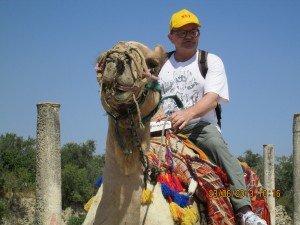 Luis en camello